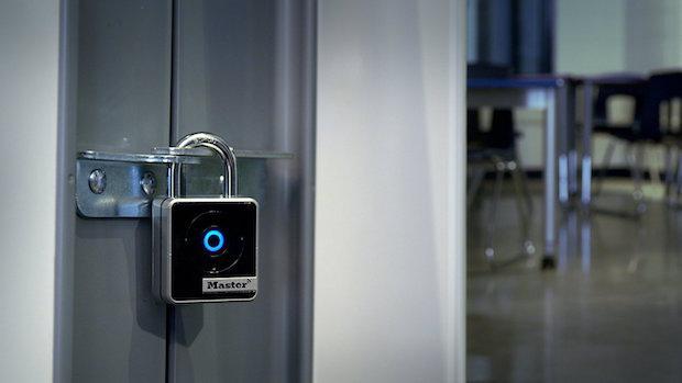 Master Lock Connected Bluetooth Smart 4400EURD - das Vorhängeschloss für den Innenbereich