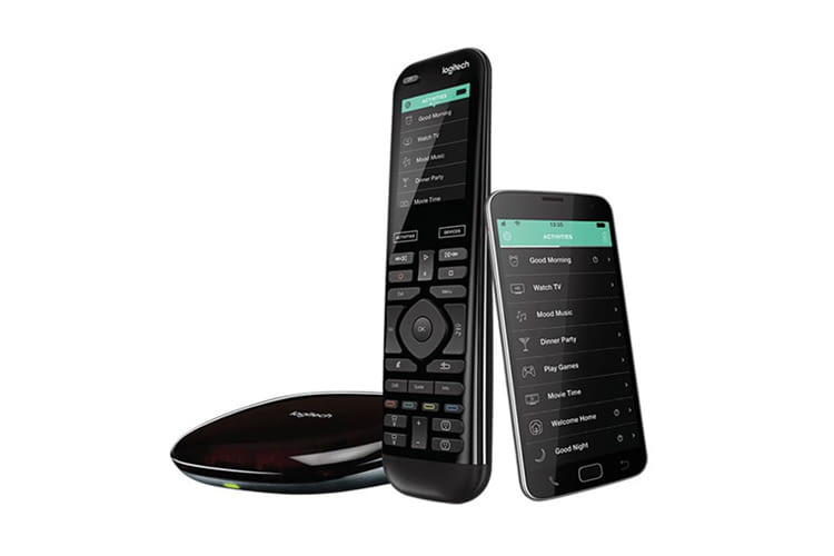 Die Logitech Harmony Elite Universalfernbedienung hat einen 2,4 Zoll großen Touchscreen