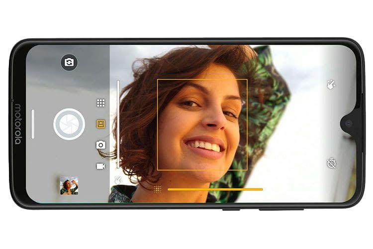 Die Dual-Kamera des Motorola moto g7 Smartphones erlaubt Schärfentiefen-Bilder