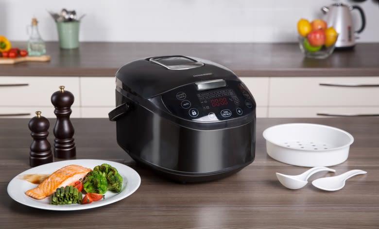 Der smarte Multikocher kann aufwärmen, warmhalten, garen, kochen, braten, dämpfen...