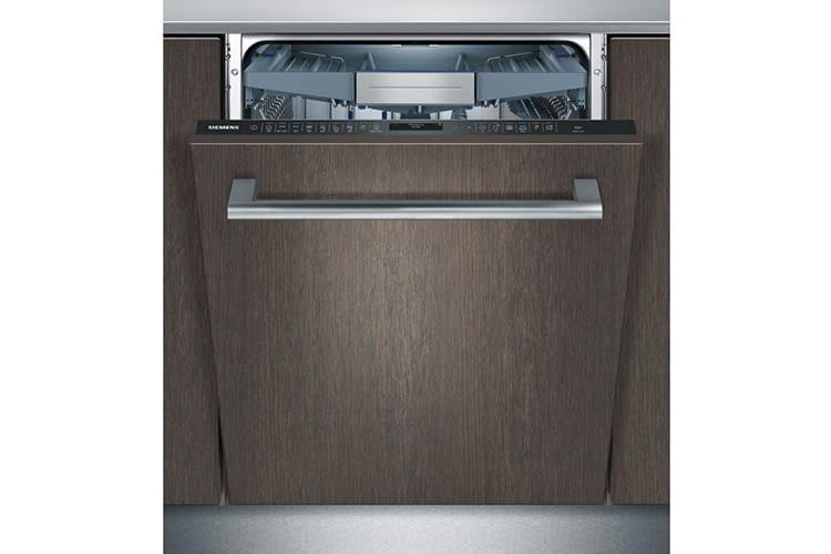Der Siemens SN658X06TE iQ500 Geschirrspüler ist vollintegrierbar und wird ohne Möbelfront geliefert