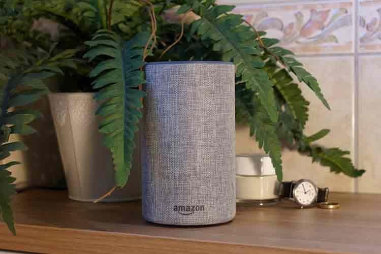 Ein smarter Lautprecher (hier Echo 2) spielt zum Beispiel die Lieblingsmusik ab