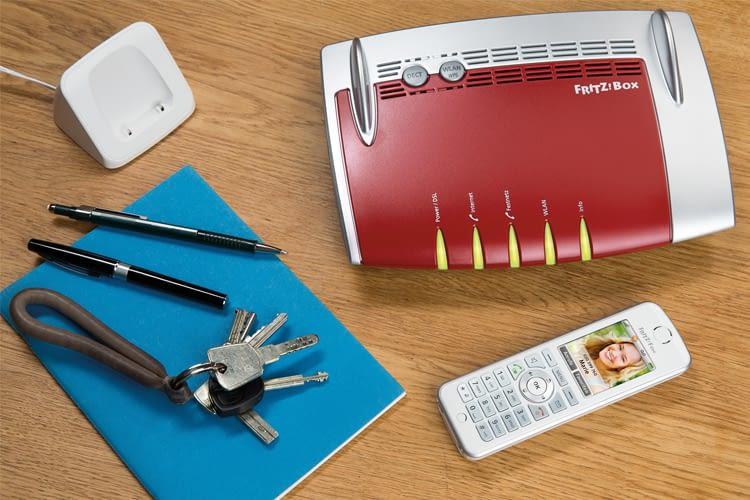 Das FRITZ!Fon C5 funktioniert in Verbindung mit einer FRITZ!Box als Steuereinheit für das Smart Home