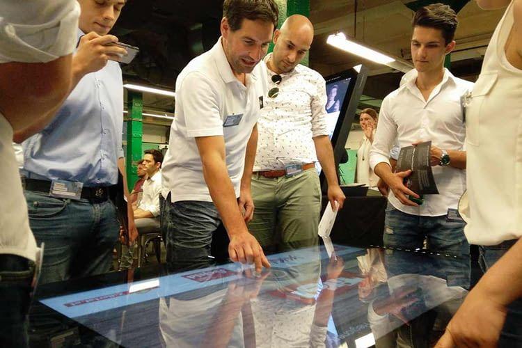 Die in den Displays benutzten Touchscreens sind die gleichen wie auch bei herkömmlichen Smartphones