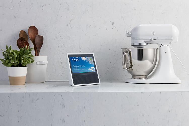 Amazon Echo Show - Lautsprecher mit Display und integrierter Sprachassistentin Alexa