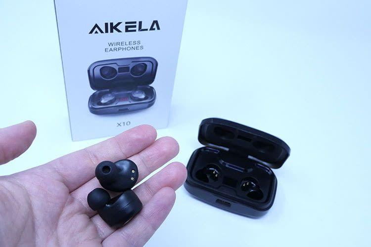 Die AIKELA X10 In-Ear Bluetooth Kopfhörer sind trotz der enthaltenen Technik unauffällig gro´ß und dezent