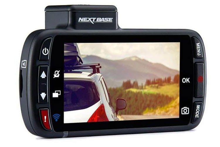 Das Display der Autokamera Nextbase 312GW ist 2,7 Zoll groß