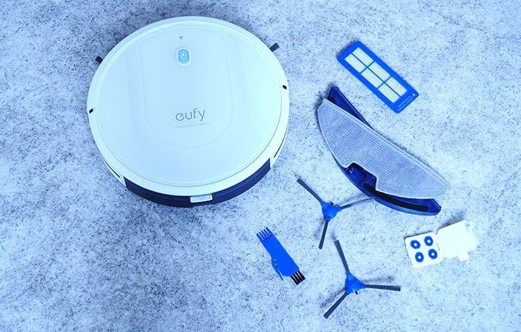 Das mitgelieferte Zubehör vom eufy RoboVac G10 ist sehr umfangreich