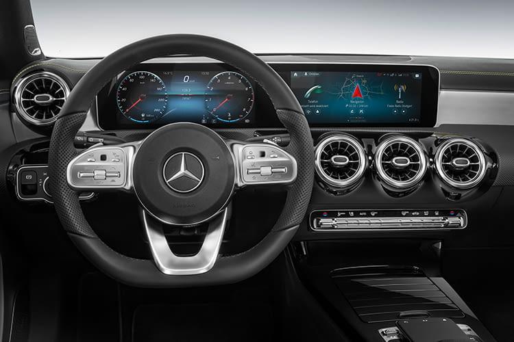 Mercedes-Benz bietet auch die Google Assistant-Steuerung an