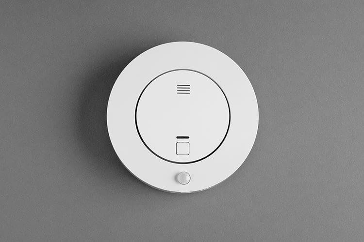 Rauchmelder und Bewegungssensor in einem Ring: Livy Protect Alarmsystem