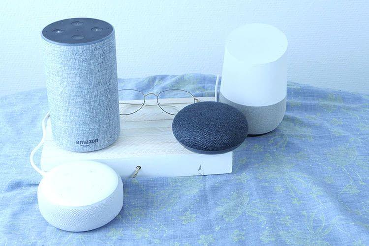 Wir haben die Lautsprecher von Google und Amazon ausgiebig getestet und miteinander verglichen