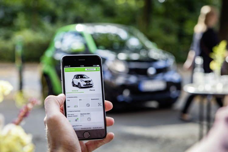 """Die smart control App bietet zahlreiche """"Connected Car""""-Funktionen für den smart fortwo ED"""