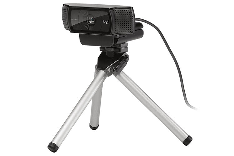 Dank Stativgewinde lässt sich die Logitech C920 HD PRO Webcam auch auf einem Stativ befestigen