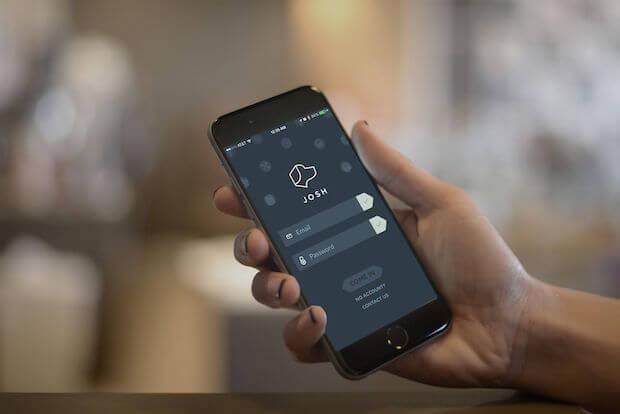 Josh Smart Home Sprachsteuerung App auf einem Smartphone