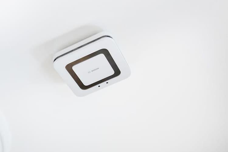 Der Bosch Twinguard Rauchmelder erkennt optimales Raumklima