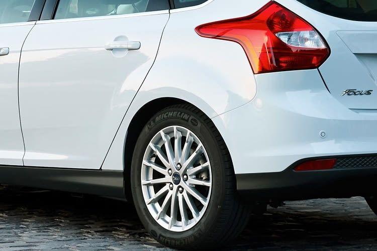 Der Ford Focus Electric ist ein tolles Elektroauto für Pendler und Fahrten in der Stadt