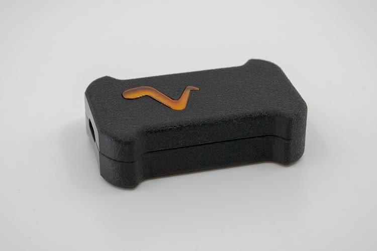 Vmaxpro ist so kompakt, dass er auch an Schuhen befestigt oder unter Kleidung getragen werden kann