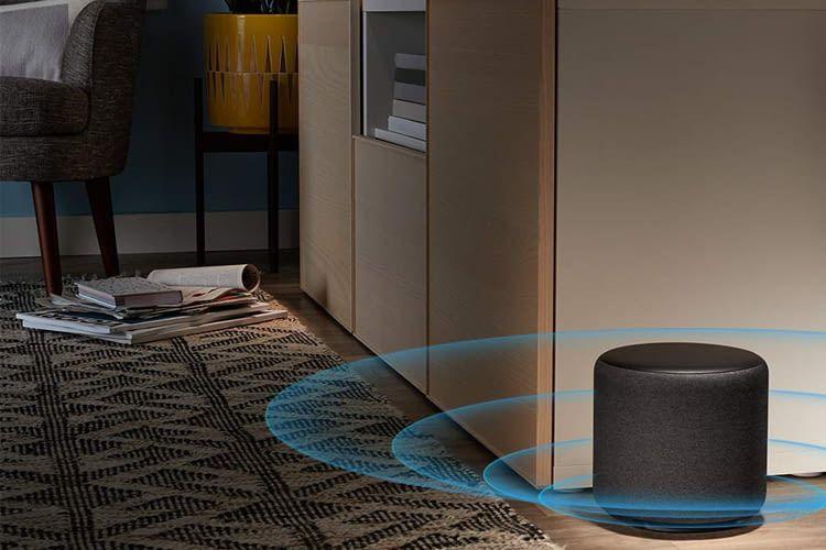 Der Downfire-Subwoofer Amazon Echo Sub strahlt den Schall nach unten in den Boden ab