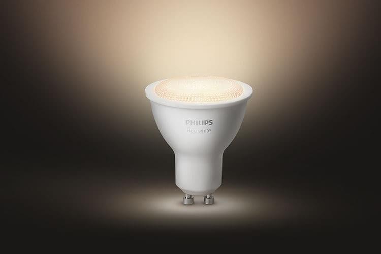 Lange erwartet: Der Philips Spot Hue GU10, der sich intelligent steuern lässt