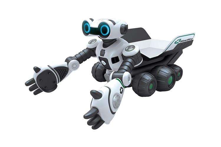 Der Roboscooper hilft beim Aufräumen und gibt dabei lustige Kommentare ab