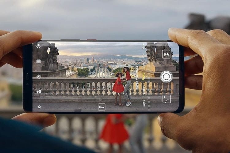 HUAWEI Mate20 Pro Smartphone mit Ultraweitwinkel-Objektiv