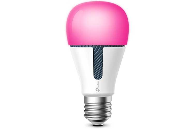Jede erdenkliche Farbe ermöglicht die Kasa Smart WLAN Leuchte KL130