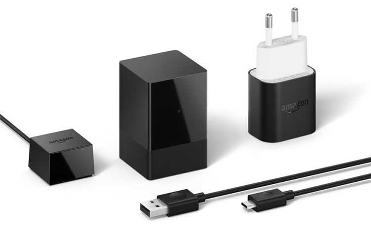 Im Lieferumfang enthalten: Amazon Fire TV Blaster, Netzteil, Infrarot-Sender und USB-Kabel