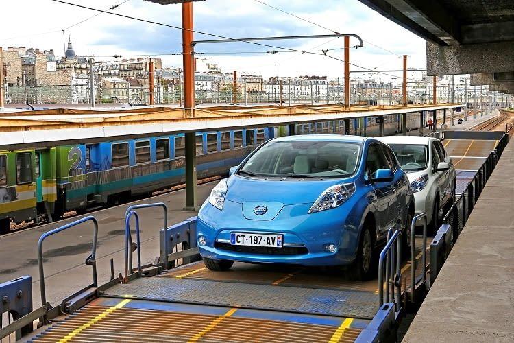 Im Internet finden sich gebrauchte Nissan Leaf 2010 Modelle, die bereits für unter 12.000 Euro zu haben sind