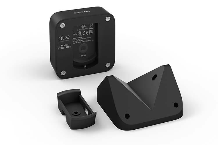 Das Montage-Kit ist des Philips Hue Outdoor Sensors ist im Lieferumfang enthalten