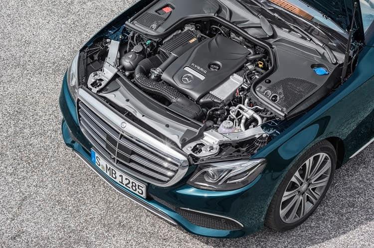 Die erste Wegstrecke wird mit dem E 350 e von Mercedes rein elektrisch zurückgelegt - dann übernimmt der Verbrennungsmotor