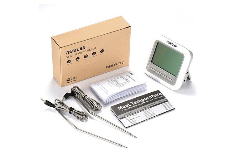 Lieferumfang des TopElek Grillthermometers: 2 Temperatursonden, LCD-Display mit Bedienfeld, Bedienungsanleitung und eine Tabelle mit Fleischtemperaturen