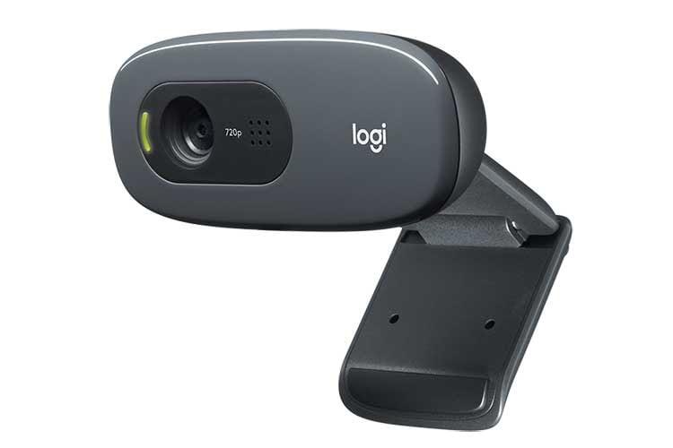 Die Logitech C270 HD Webcam verfügt über ein Fixfokus Objektiv sowie ein Monomikrofon