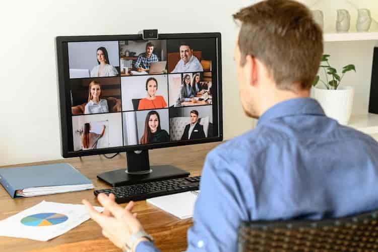 monitor-mit-webcam
