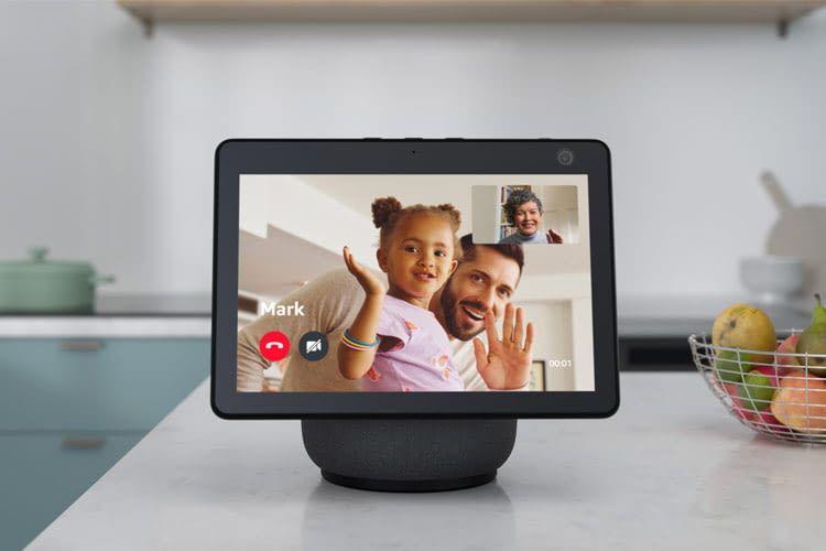 Echo Show 10 Displays drehen sich bei Videotelefonaten mit, wenn ihr Nutzer sich bewegt