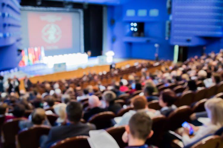 Die Fachkonferenz richtet sich an Fach- und Führungskräfte von Versicherungsunternehmen