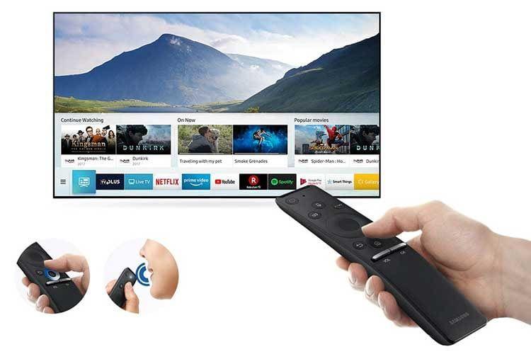 Bei vielen Samsung Smart TVs erfolgt die Sprachsteuerung über ein in der Fernbedienung eingebautes Mikrofon