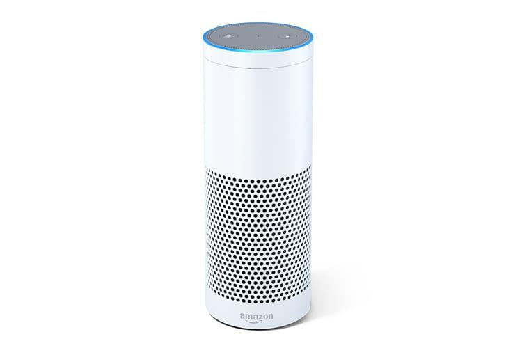 Um den Amazon Echo der ersten Generation zurückzusetzen, muss man ihn umdrehen