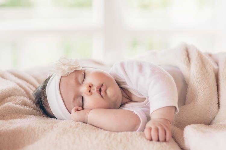 Baby-Kameras bzw. Monitore überwachen zum Beispiel den Mittagsschlaf