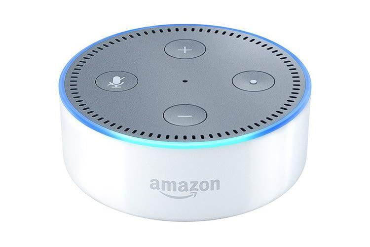 Amazons intelligenter Lautsprecher Echo Dot bietet den perfekten und günstigen Einstieg in die Smart Home-Welt