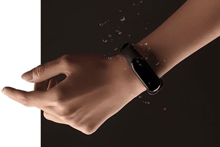 Seine Unempfindlichkeit gegenüber Wasser unterscheidet Xiaomi Mi Band 3 von vielen anderen Trackern