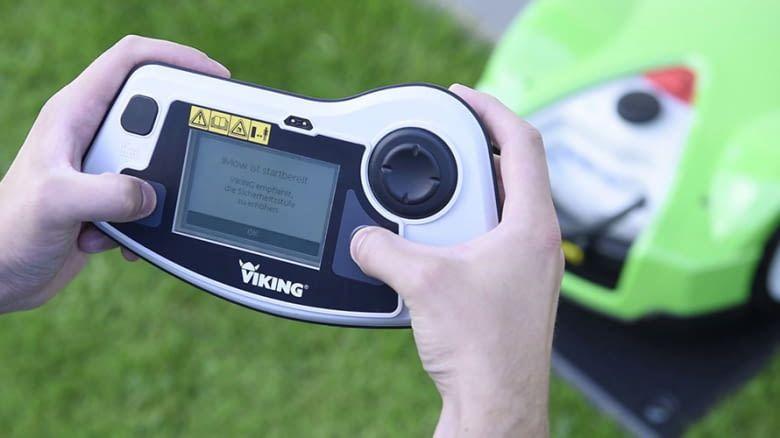 Das Bedienpanel lässt sich aus dem Viking MI 632 / C bequem herausziehen
