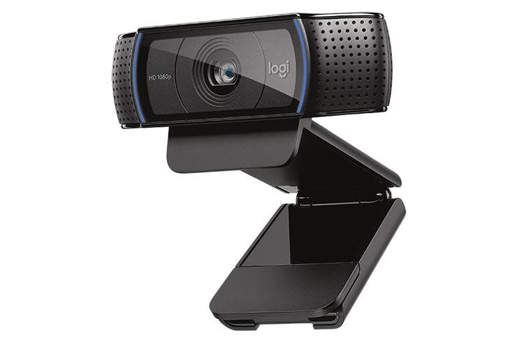 Die Logitech C920 Full HD PRO ist mit einer Glaslinse ausgestattet und bietet echten Autofokus