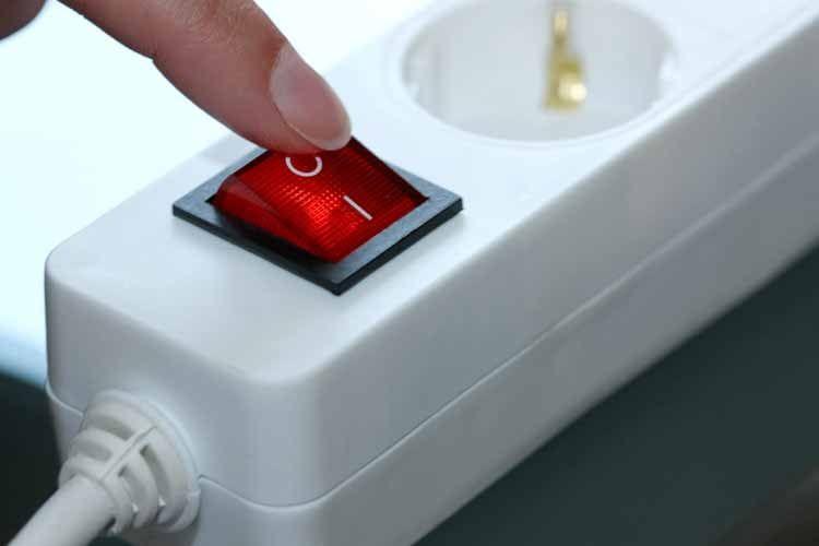 Mehrfachsteckdosen ermöglichen es alle Geräte zentral ein- oder auszuschalten