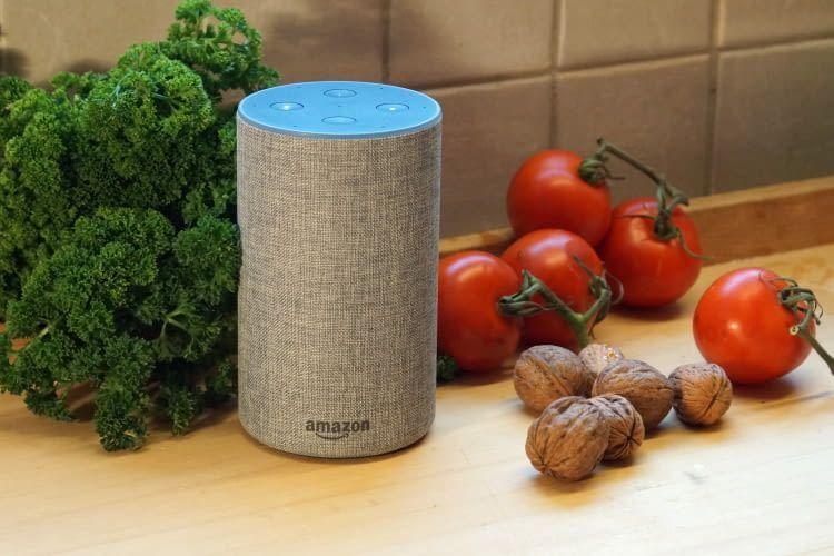 Echo 2 ist deutlich größer, aber mit einem Preis von rund 100 Euro auch teurer als Echo Dot