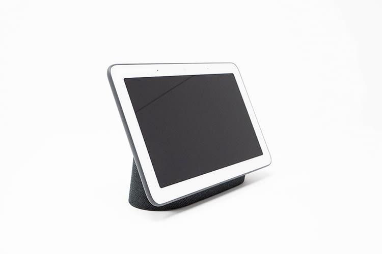 Optisch erinnert Google Nest Hub stark an ein fest montiertes Tablet oder einen eReader