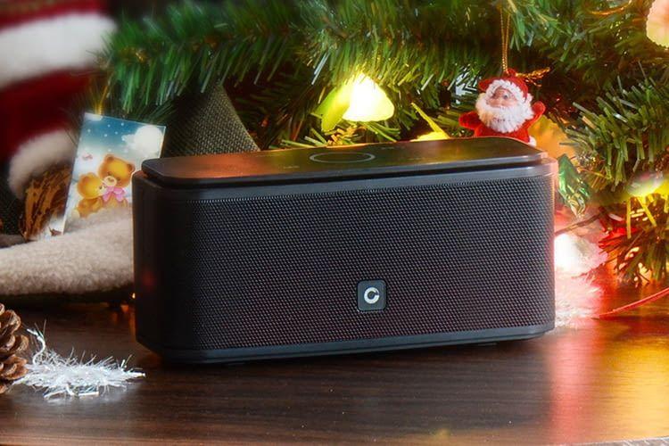 Der mobile DOSS SoundBox Bluetooth-Lautsprecher ist ein tolles Geschenk für das diesjährige Weihnachtsfest