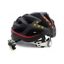 Smarter Rennradhelm mit Rücklicht, Blinker, Musik, Navigation, Anruffunktion und SOS-System. Inkl. aerodynamische Belüftung.