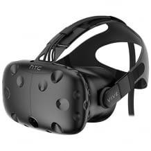 VR-Gaming-System mit HTC VIVE VR-Brille und Tracking-System zum Bewegen in virtuellen Umgebungen