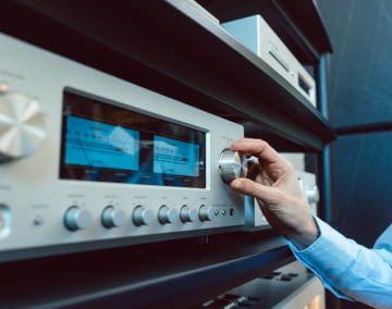 Mit dem Echo Dot, Input und Flex lassen sich Stereoanlagen smart machen