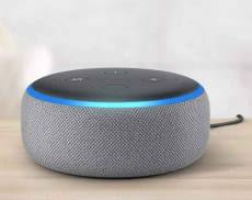 Amazon Echo Dot 3 fügt sich mit seinem flachen Puck-Design dezent in die Wohnlandschaft ein